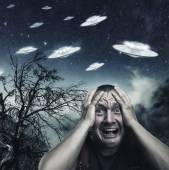 Scared by UFO man screaming — Stock Photo