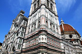 View of cathedral SANTA MARIA DEL FIORE in Florence — Stock Photo