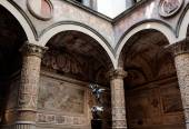 Rich Interior of Palazzo Vecchio (Old Palace) a Massive Romanesq — Photo