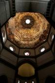 The Ceiling of the Duomo in Florence, Italy. Featuring numerous  — Stock Photo