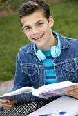 Smiling teen student — ストック写真