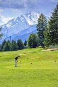 Golf player, Crans-Montana, Switzerland — Stock Photo