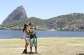 Tourist couple in Rio de Janeiro — Stock Photo
