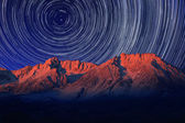 Night Exposure Star Trails of the Sky in Bishop California — 图库照片