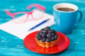 Coffee with blueberry cake — Stock Photo
