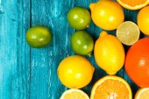 Assortment of citrus fruits — Stock Photo