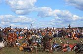 Middeleeuwse Slag bij wederopbouw Voinovo Pole (Warriors veld) in de buurt van Drakino, Rusland — Stockfoto