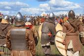 Free Medieval battle show Voinovo Pole (Warriors' Field) near Drakino, Russia — Stockfoto