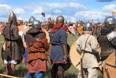 DRAKINO, RUSSIA - AUGUST 23: Free Medieval battle show Voinovo Pole (Warriors' Field) on August 23, 2014 near Drakino, Russia. — ストック写真