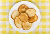 Plate of traditional Russian pancakes — Stock Photo
