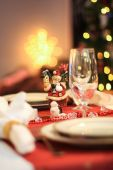 Table set for dinner at christmas — ストック写真