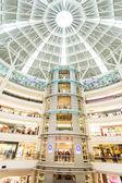 Atrium alışveriş merkezi — Stok fotoğraf