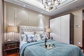 Interni di decorazione camera da letto moderna di lusso — Foto Stock