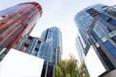 Modern business office building exterior and sky — Stock Photo