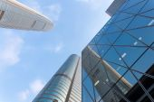 Up looking skyscraper and office building exterior — Stock Photo