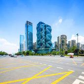 Skyline de panorâmica e edifícios modernos — Fotografia Stock