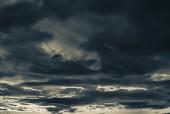 Dramatiska solnedgången moln — Stockfoto