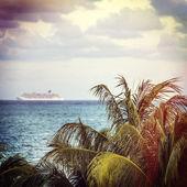 Tropical holiday cruise — Stock Photo