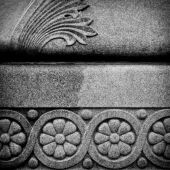 Beautifully carved gravestone — Stock Photo