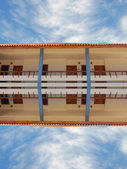 Resort houses with reflection — Fotografia Stock