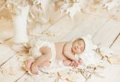 Newborn Sleeping Baby Portrait, New Born Little Child Lying On Autumn White Art Leaves, Dreaming Bedtime Story — Stock Photo