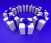 Blue and white gift boxes circle lateral — Stock Photo
