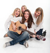 Singing young females — Stock Photo
