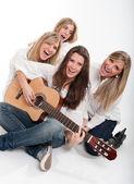 Singing girls — Stock Photo