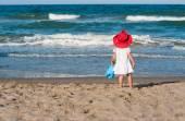 Little girl and the sea — Fotografia Stock