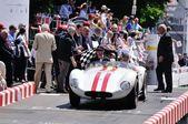 Czerwone paski białe Maserati A6 Fantuzzi kończy wyścig klasyczny samochód 1000 Miglia — Zdjęcie stockowe