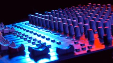 Hand on professional audio mixing console — Stock Video