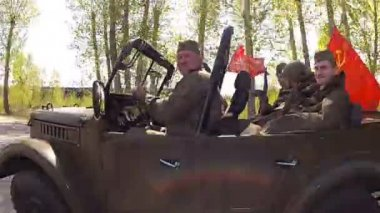 Military vehicles from World War II. — Stock Video