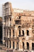 Rome Colosseum Full of Tourists — Stock Photo