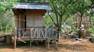 Poor lao village — Stock Video