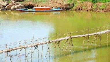 Empty bamboo bridge — Stock Video