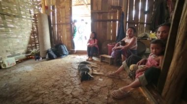 Inside of indigenous tribal house of Akha village — Stockvideo