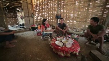 Inside of indigenous tribal house of Akha village — Stock Video