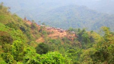Akha tribe village on mountain — Wideo stockowe