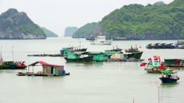 Floating village at limestone islands — Stock Video