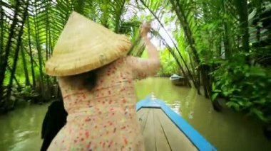 Rower Paddle Canoe at Mekong River — Stock Video