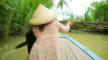 Rower Paddle Canoe at Mekong River — Stockvideo