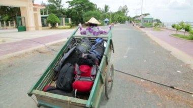 Wheelbarrow hand cart carrier porter — Stock Video