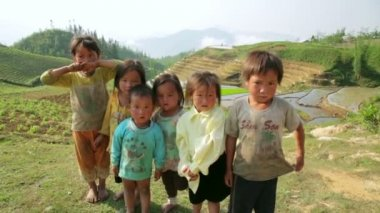 Native Akha kids in their hill village, — Stock Video
