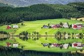 Lake in the mountains — Stock Photo