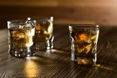 Whiskey and natural ice — Stock Photo