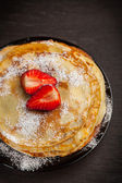 Crepes with fresh strawberries — Stock Photo