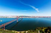 25 de Abril Cable-stayed Bridge over Tagus River — Stock Photo