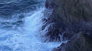 Waves Crashing on  Beach — Stock Video