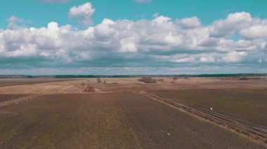 Aerial Shoot Agricultural Fields, cloudy — Video Stock