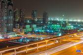 технологический парк в дубаи интернет сити в сумерках, оаэ — Стоковое фото